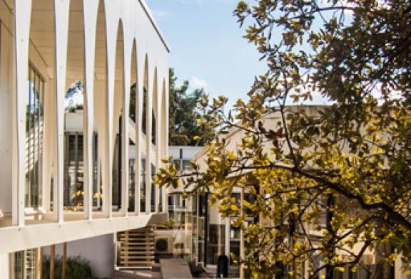 Extension des bureaux de la SETEC international / Extension du bâtiment de bureaux existant de Jean Prouvé